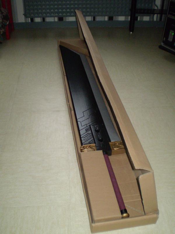 épée dans son carton, version améliorée