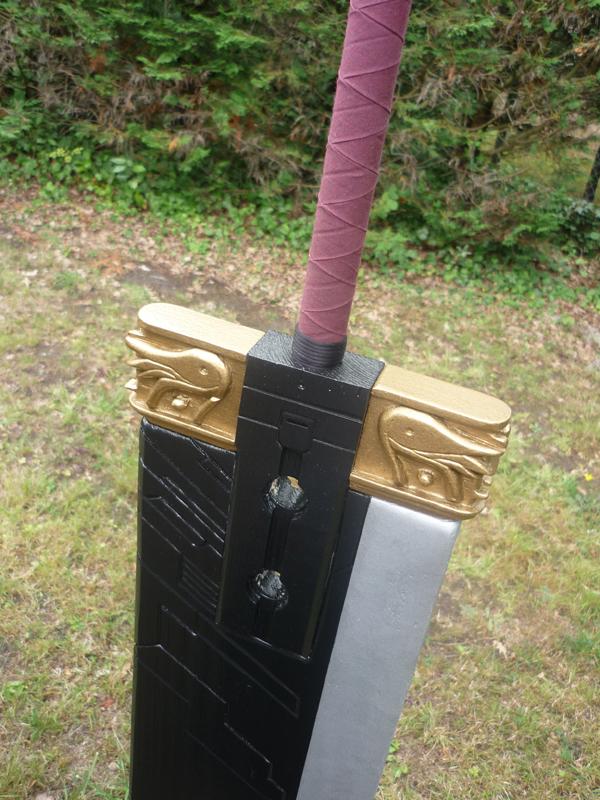 Détail de finition de la garde de l'épée.