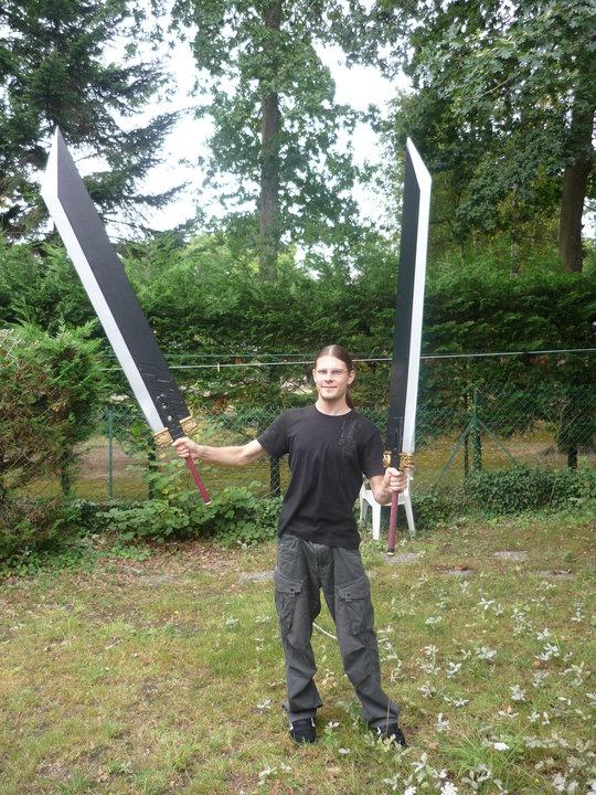 2 épées broyeuses portées par Florian