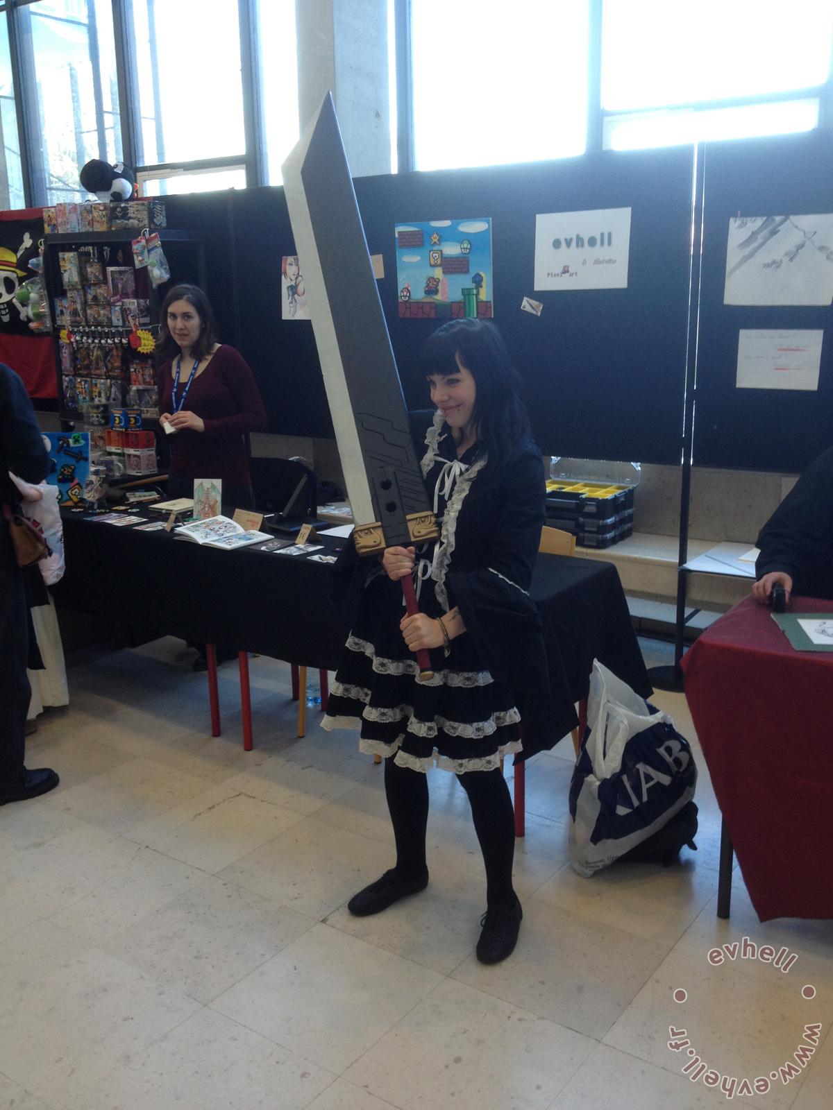 Cosplayeur Nihon Breizh festival avec épée de Cloud