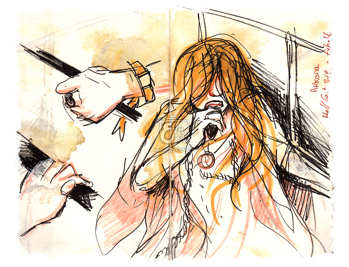 Arkona : la chanteuse, cheveux en bataille devant les yeux véhicule de fortes émotions.